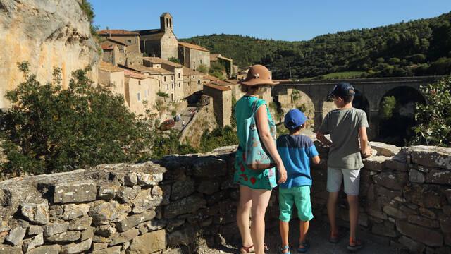 Touristes à MInerve ©G.Souche