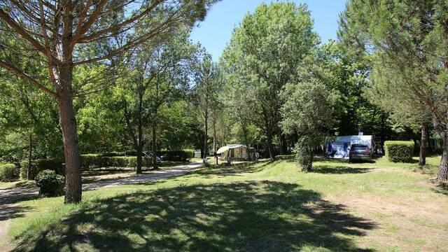 Camping, domaine le Gatinié, les Aires