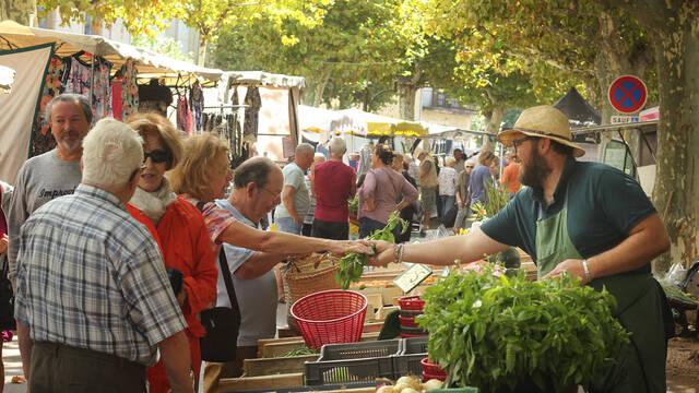 Le marché de Saint-Chinian ©G.Souche