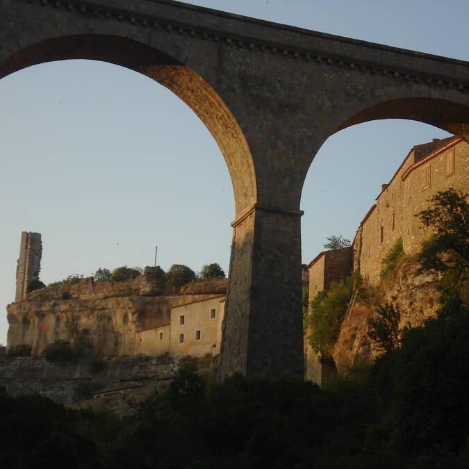 Ruine chateau Pays d'Art et d'Histoire Haut Languedoc et Vignobles